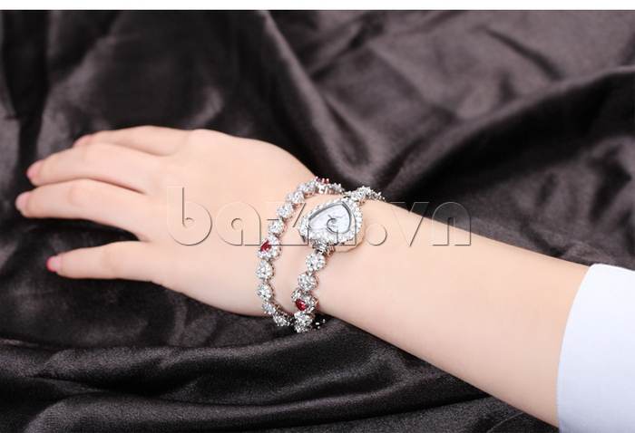 Đồng hồ nữ mặt trái tim Vinoce V633248G  là sản phẩm bạn không nên bỏ qua