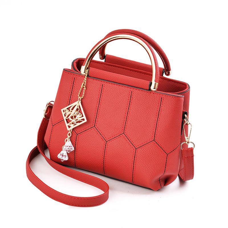 Túi Hand bag 2 ngăn móc hoa đá Balana
