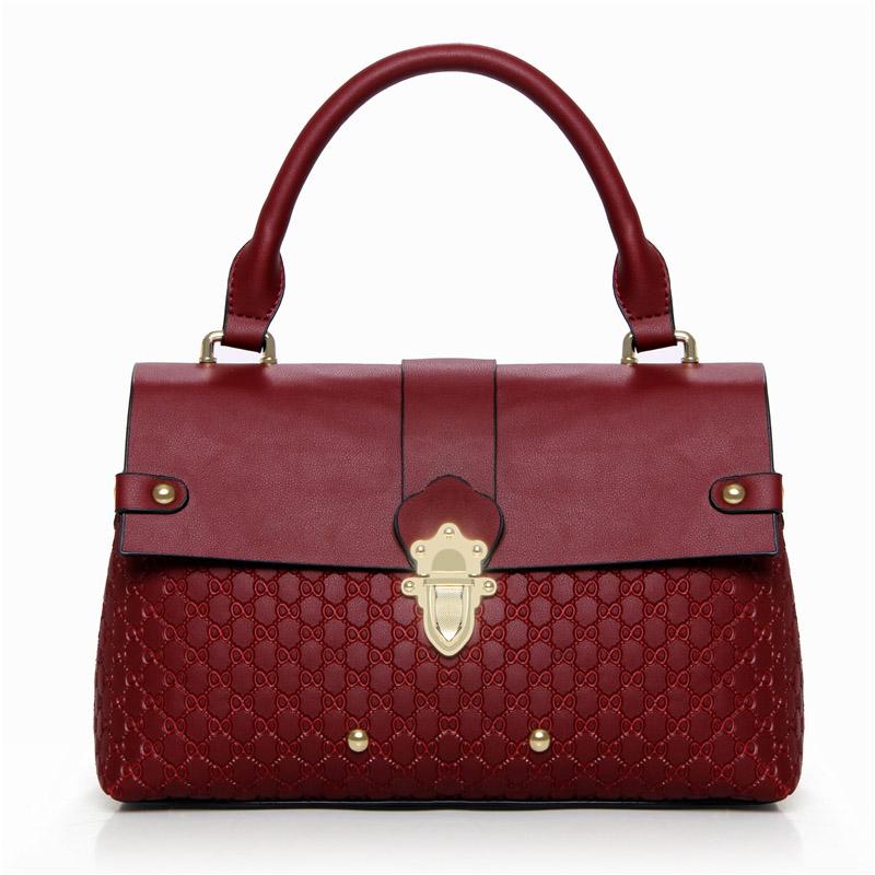 Túi Handbag nạm đinh khóa cài Nobely