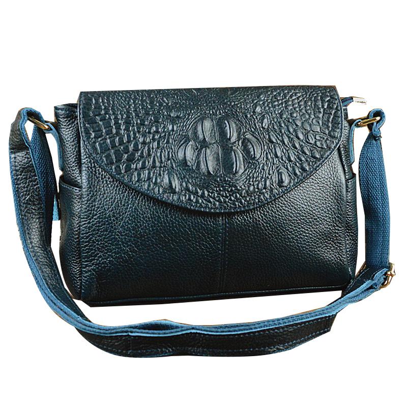 Túi Shoulder bag nắp vân da cá sấu nổi Heti