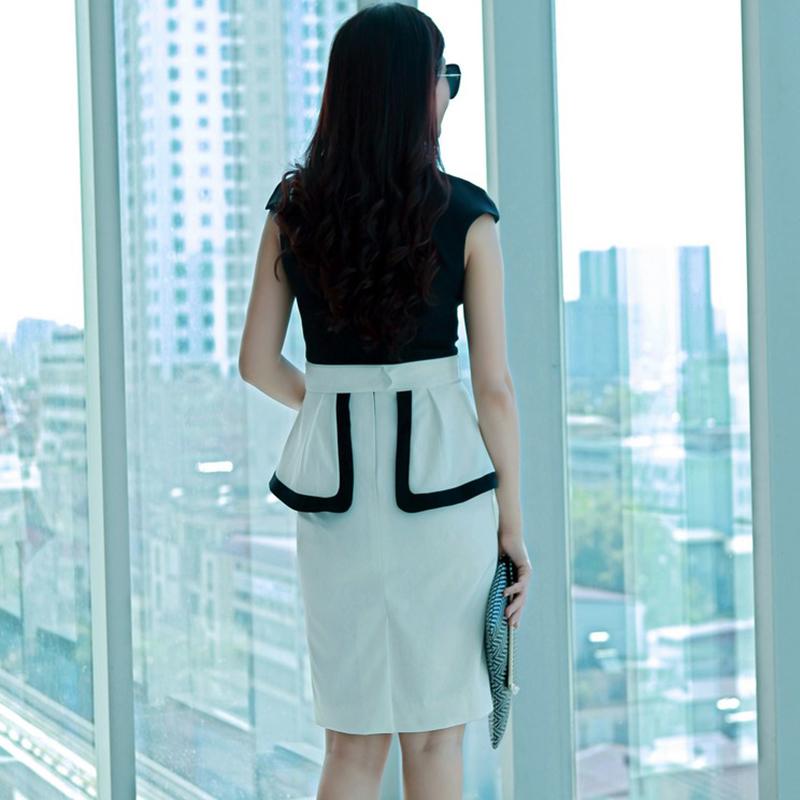 Đầm Peplum phối màu cổ chữ V