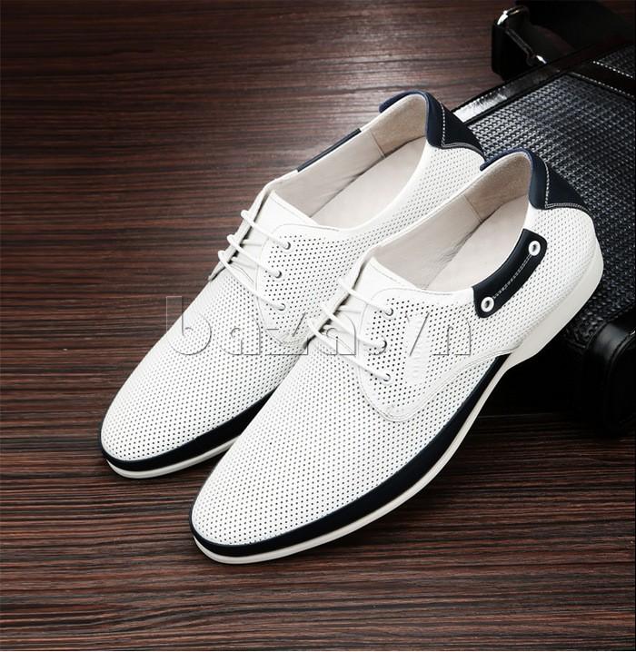 giày nam Olunpo XHT1402 màu trắng trẻ trung dễ gây ấn tượng mạnh cho người đối diện