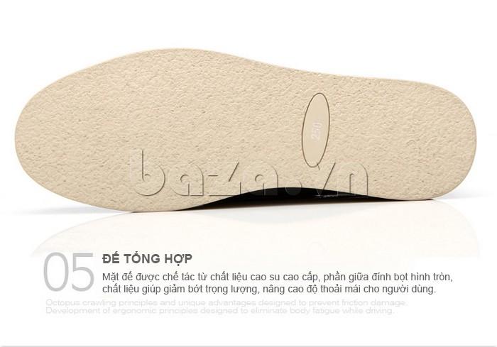 đế giày OlunpoCXYF1301 làm từ cao su cao cấp, phần giữa đính bọt hình tròn giúp giảm bớt trọng lượng cơ thể, nâng cao độ thoải mái cho người đi