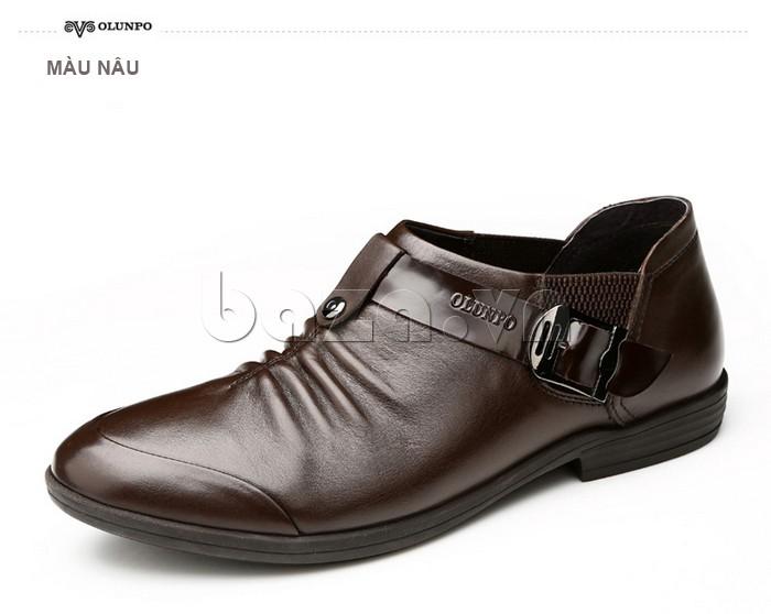 Giày da màu nâu mang vẻ cuốn hút cổ điển