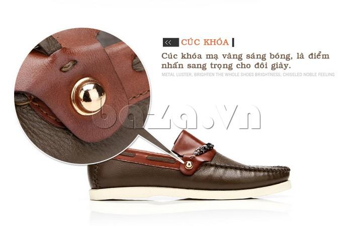 cúc khóa mạ vàng sáng bóng tạo điểm nhấn cho giày nam Olunpo CLXS1221