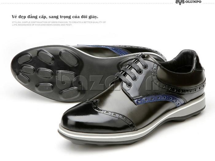 Đế giày được thiết kế đặc biệt chống trơn trượt
