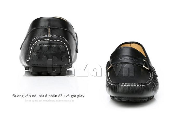 Giầy lười nam Olunpo CHY1402 có đường vân nổi bật ở gót và thân giày