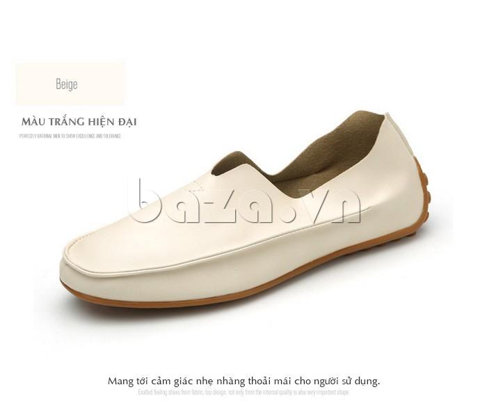 Giày da màu trắng mang tới cảm giác nhẹ nhàng, thoải mái cho người sử dụng