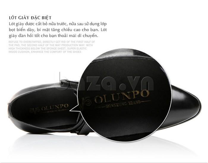 giày Olumpo QLXS1217 được thiết kế với miếng lót giày đặc biệt
