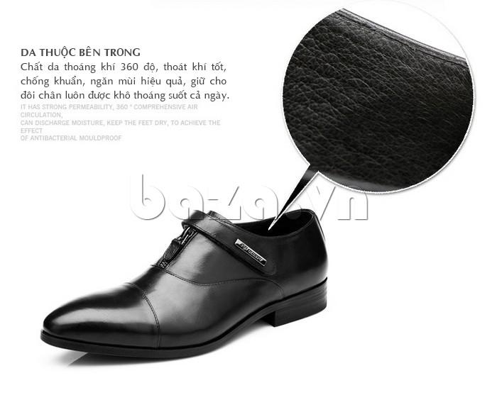 giày Olumpo QLXS1217 sử dụng da thuộc bên trong giúp chân không có mùi và khô thoáng cả ngày