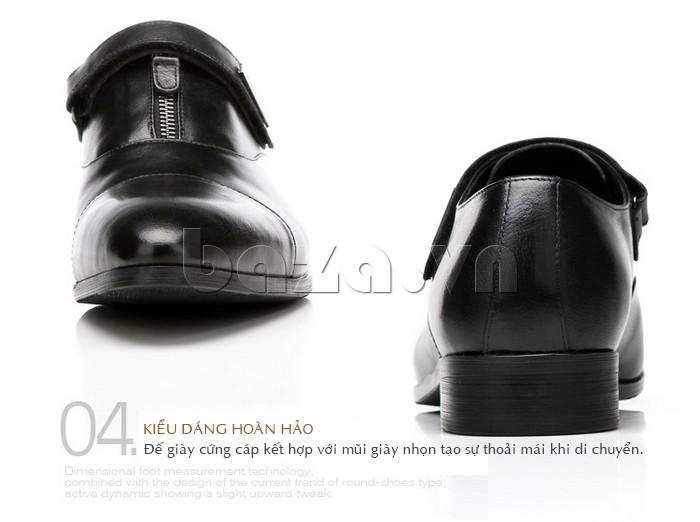 giày Olumpo QLXS1217 đế cứng kết hợp với mũi nhọn tạo sự dễ dàng khi di chuyển