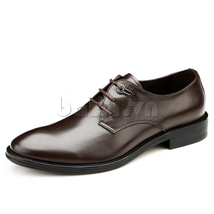 giày da Olumpo QYS1301 da bóng, mịn giúp các chàng dễ lau chùi, bảo quản mỗi khi đi ra đường