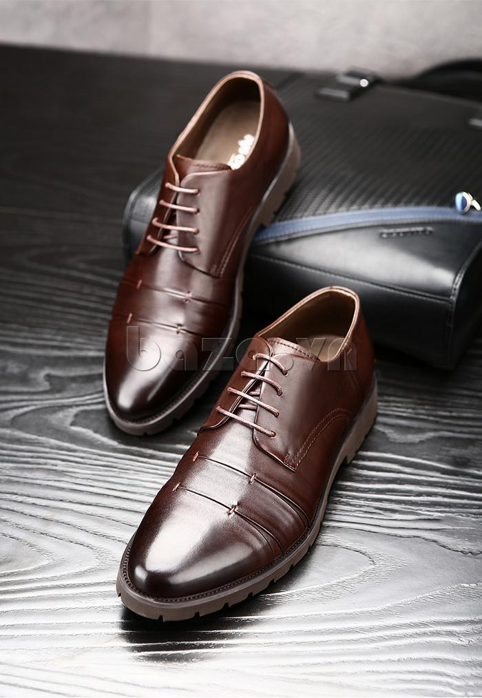 Giày da nam Olunpo QDT1404 thể hiện cá tính trầm ổn cho nam giới