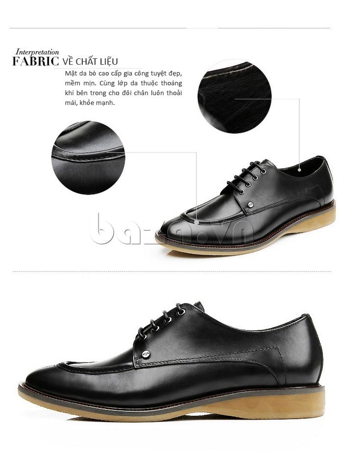 đôi giày nam sử dụng chất liệu da bò cao cấp, gia công tuyệt đẹp với độ mềm mịn cao