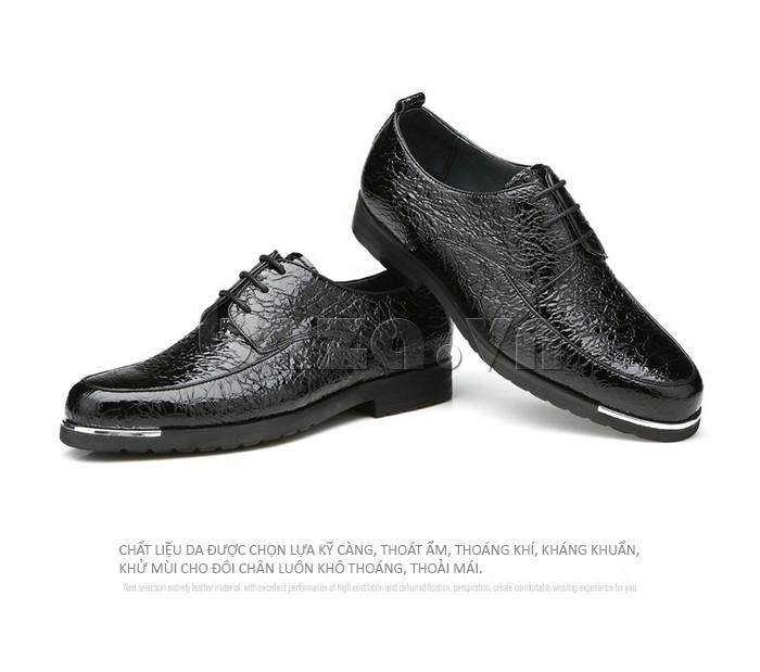 Chất liệu da giày được chọn lựa kỹ càng, thoát ẩm và thoáng khí, kháng khuẩn