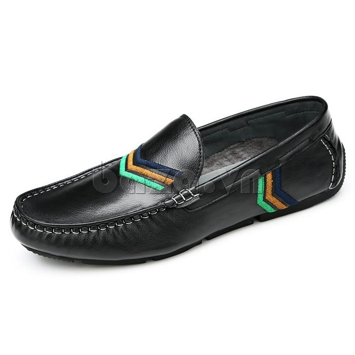 Giày nam Olunpo màu đen dễ dàng kết hợp với nhiều mẫu quần áo, phụ kiện để có một style thu hút nhất