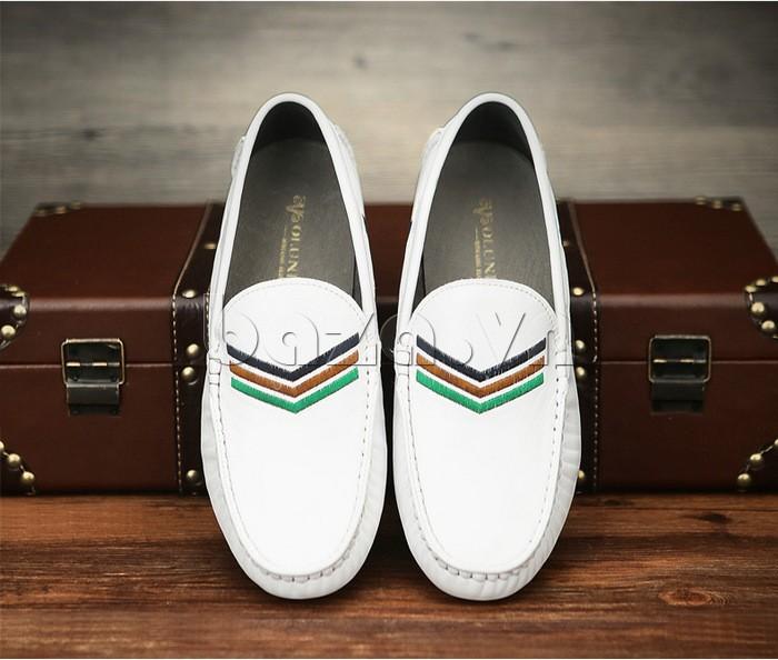 Logo thương hiệu của Giày nam Olunpo được in bên trong lớp lót giày tạo sự tinh tế