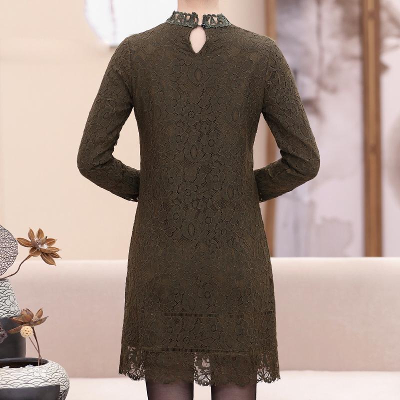 Váy ren hoa cổ đính ngọc trai SMT