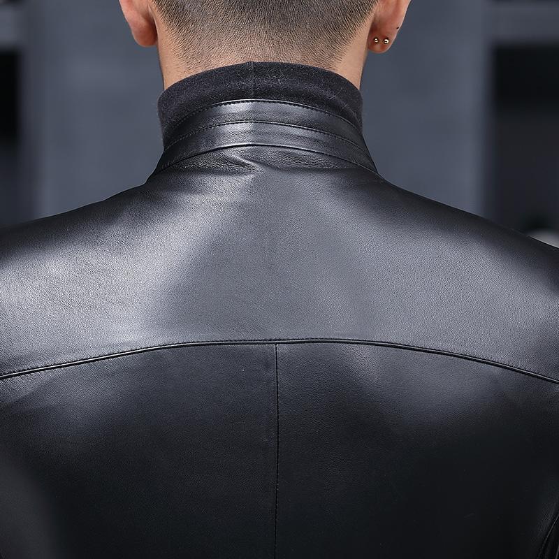 Áo khoác da cừu cổ trụ phong cách minimalism