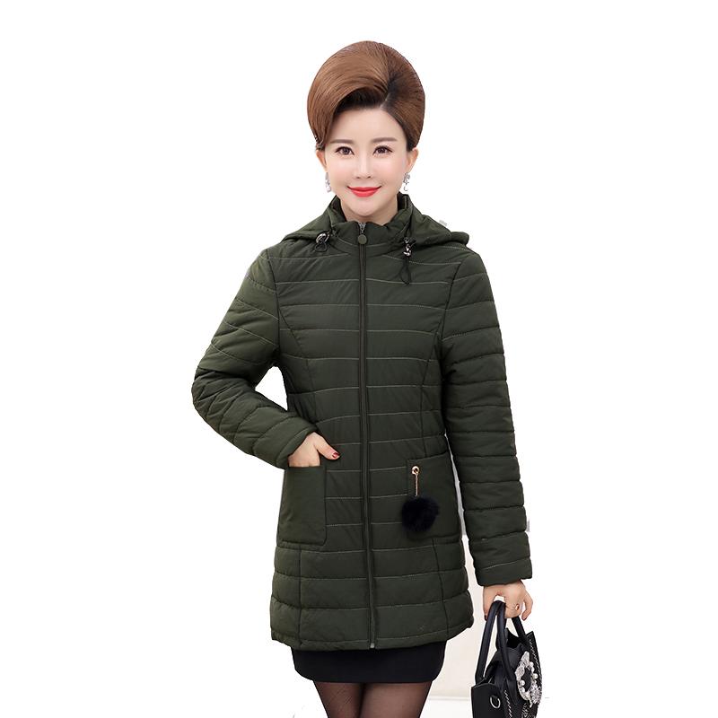 Áo phao nữ dáng dài túi móc quả bông SMT