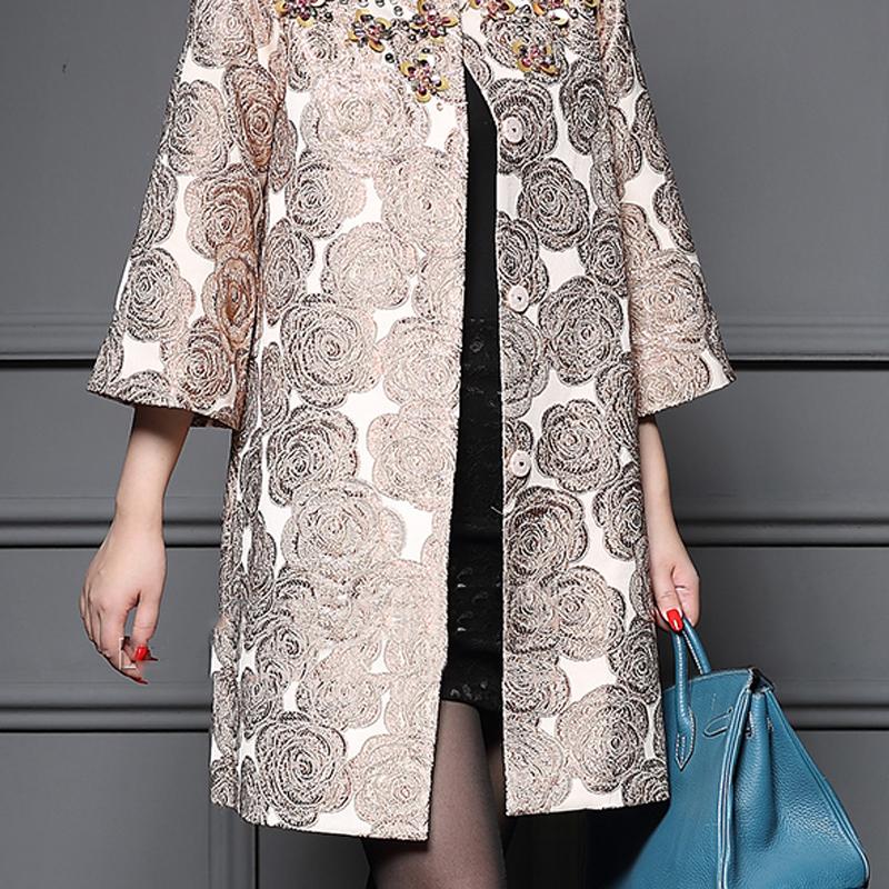 Áo khoác nữ họa tiết hoa hồng vai đính cườm