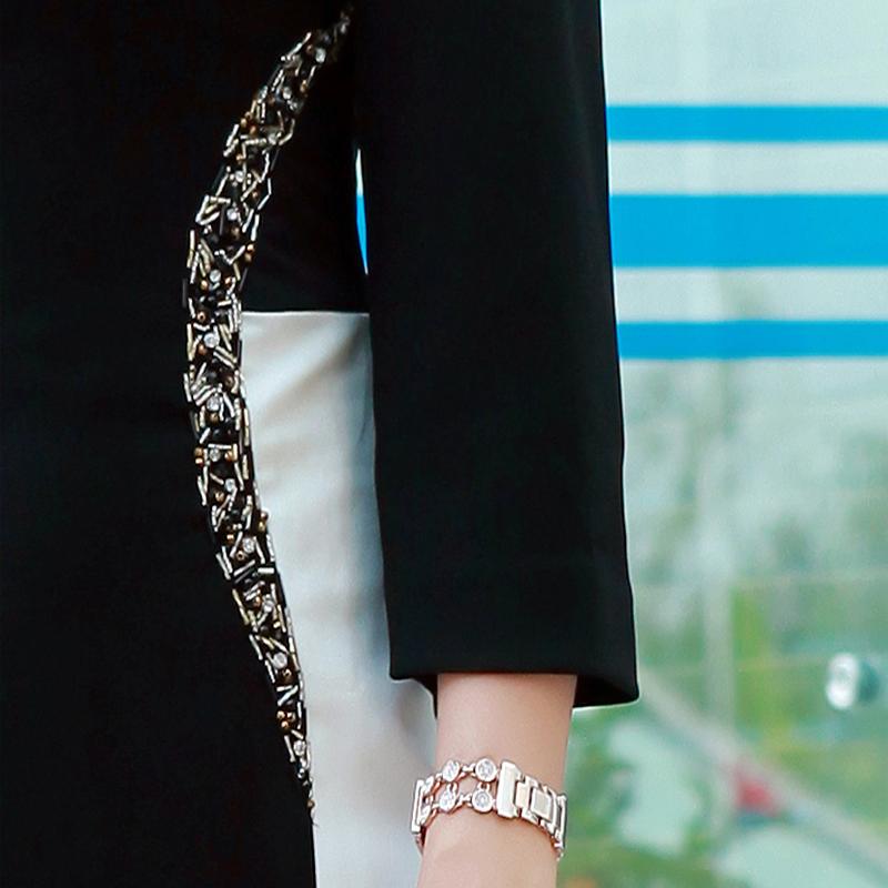 Đầm Slim Body phối màu khoét eo chữ S
