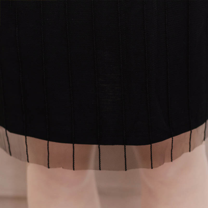 Váy suông ngắn tay 2 trong 1 ren lưới kẻ sọc SMT