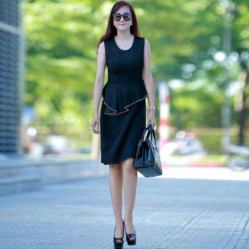 Váy peplum viền đính hạt ngọc trai