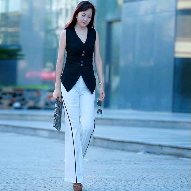 Set áo gi-lê vạt cánh sen phối quần ống rộng nhấn màu
