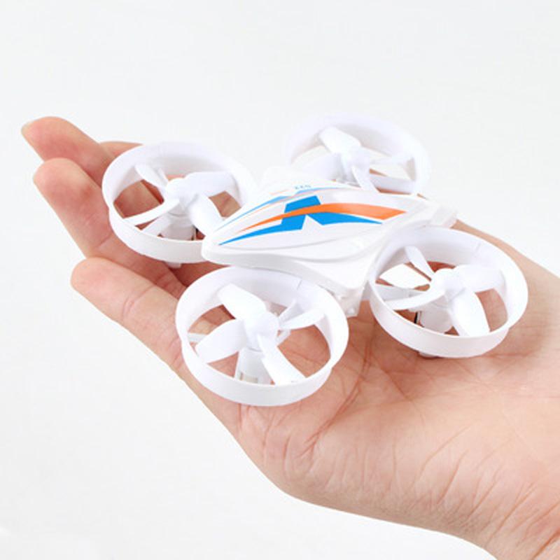 Máy bay Mini bỏ túi điều khiển từ xa động cơ bốn trục tốc độ cao