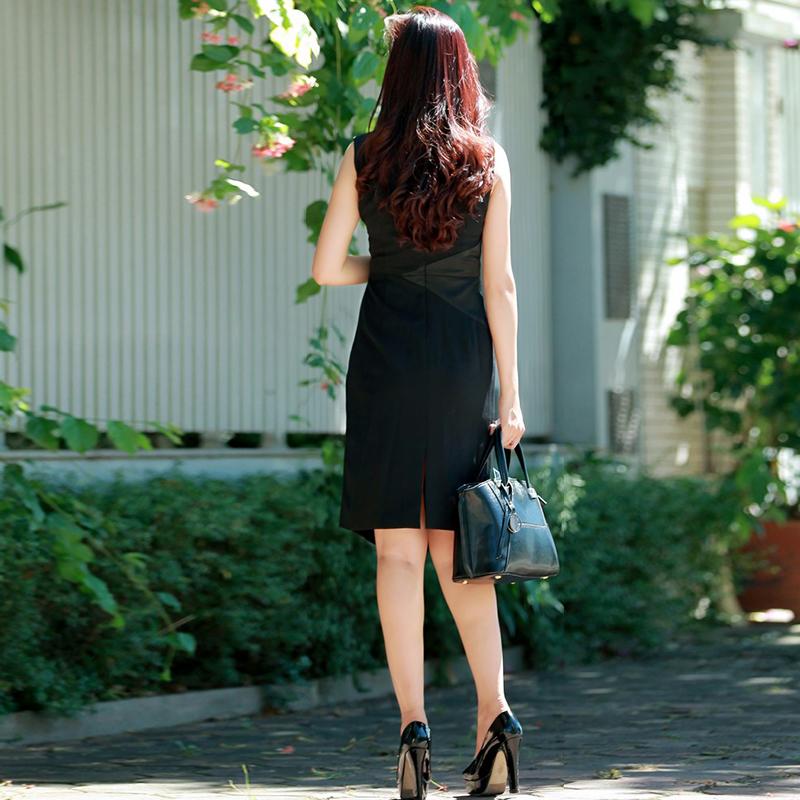 Đầm liền vạt xéo phối màu hình học