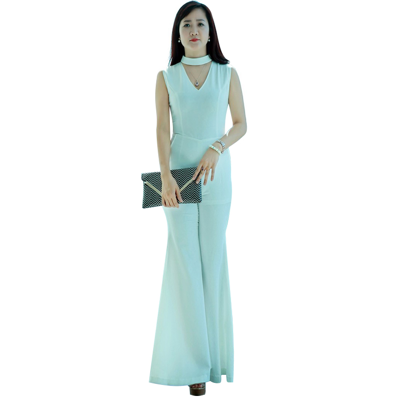 Jumpsuit ống loe cổ chữ V